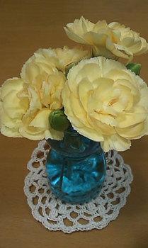 20100616花瓶とドイリー.jpg